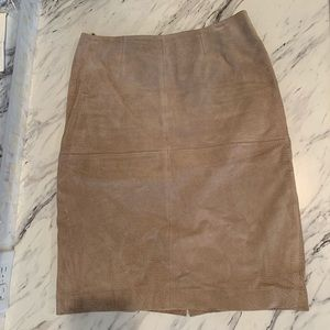 Newport News Taupe Suede Skirt Sz 4